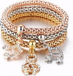 Canada Trendy Trois couleur 3 pièce Bangle Cost Stretch Maïs Strass Chaîne Amour Popcorn Papillon Coeur Anchor Bracelet pour les femmes Offre