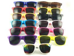 Óculos promocionais on-line-Presente relativo à promoção personalizado logotipo Clássico de plástico óculos de sol Retro óculos Vintage Square óculos de sol para mulheres homens adultos multi cores