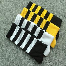 calcetines universitarios Rebajas Europa y Estados Unidos. Japón y Corea del Sur. Calcetines a rayas. Dos barras. Tres barras. College Winds. Calcetines de algodón.