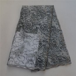encaje gris africano Rebajas 2018 Grey Color Latest Nigerian Laces Telas con piedras moldeadas African Laces Fabric Wedding African French Tulle Lace 30