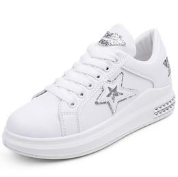 2019 scarpe da ginnastica in pelle di cuneo Comemore Designer Zeppe  Platform Sneakers Autumn Cute Paillettes ddbc75d5978