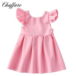 2019 linea per bambini pizzo merletto Chaffare Flying Sleeve Infant Girls Dress 2018 Summer Bow Baby Girl Backless Abiti Kids Lace Toddler Floral Frock 0-2 anni sconti linea per bambini pizzo merletto