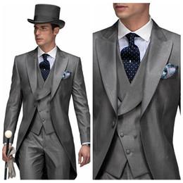4b5dd9c42 Retro gris cola abrigo novio boda smokinges Tailor-Made trajes para hombre  fiesta formal usar traje de padrino de boda (chaqueta + pantalones +  chaleco)