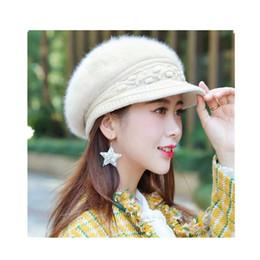 Senhoras da moda coreanos adicionar fluff ear cap tricô cap boina boina de  pérola de pele de coelho engrossado 9311a1687c7