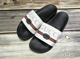Zapatillas de diseño para hombre de buena calidad Pies con clip de cuero estilo flip Estilo de líneas de tigre europeo Zapatos de marca de lujo sanda Tamaño EUR 40-45 desde fabricantes