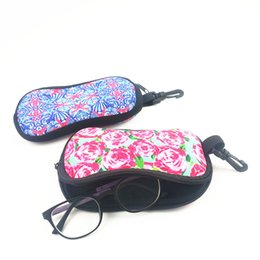 Wholesale red bumps - Colorful Printed Neoprene Sunglasses Case Eyeglasses Pouch with Hook Soft Neoprene Keep Your Shades Safe from Bumps Glasses Bag