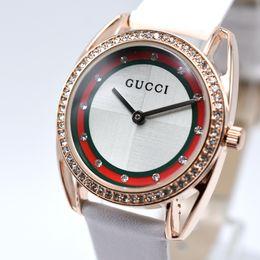 vestido estilo marca senhora Desconto Novo Estilo de Moda de Luxo Mulheres Relógio de Senhoras Relógio Com Diamantes amantes de couro vestido Relógios de Alta Qualidade Da Marca das Mulheres Casuais mulher Montre