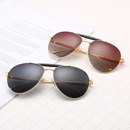 Pescado de metal vintage online-0827 Gafas de sol de lujo de la vendimia piloto Hombres Mujeres Gafas polarizadas Pesca Conducción Gafas de aviador UV400 marcos de metal clásico Marca Sunglass