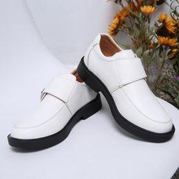 chaussures formelles Promotion 2018 Mode Date Enfants En Cuir Souple De Mariage Robe Chaussures pour Garçons Marque Enfants Noir De Mariage Chaussures Garçons Formelle Cale Sneakers