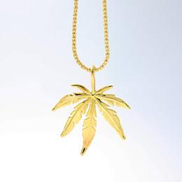 Fascino di foglie d'acero d'oro online-2018 Nuova collana di fascino foglia oro collana foglia d'acero ciondolo collana hip hop all'ingrosso di gioielli