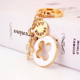 Wholesale Electroplated Rings - With Rhinestone Clover Key Ring Metal Zinc Alloy Car Keychain Electroplate Safety Convenient Keys Buckle For Women 5 8hy B