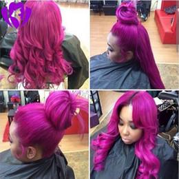 longue perruque violette ondulée Promotion Perruques de cheveux naturels de fibre de haute température sans colle jaune / blonde / mauve longue perruque de dentelle avant de coupe ondulée ondulée synthétique peut faire la queue de cheval
