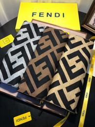 grauer fransenschal Rabatt Herrenschal Mode Luxus Designer Herbst und Winter feinen Brief Marke Schal gestrickte Wolle Schal Schal 180 * 30cm weich und glatt hohe Qualität