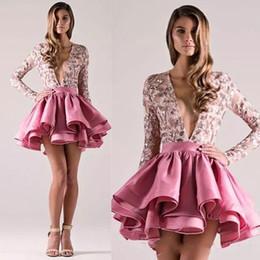 barato joelho comprimento homecoming vestidos Desconto Deep V Neck Pink Short Cocktail Dresses Cetim Placas Acima do joelho Comprimento A Line Prom Dresses Long Sleeve Homecoming Party Dresses Cheap Dress