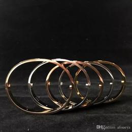 Canada Titane Acier Amour Bracelets argent or rose bracelet Bracelets Femmes Hommes Tournevis Tournevis Bracelet Couple Bijoux avec logo sac Offre