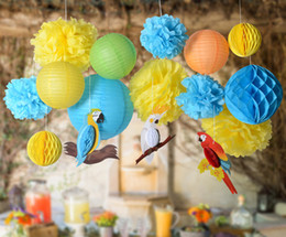 2019 lanterna di carta gialla Set di 16 Royal Blue Yellow Honeycomb Parrot Decorazioni di carta Carta velina Pom Pom / Lanterns / Honeycomb Ball Summer Party Decor lanterna di carta gialla economici