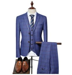 (Chaqueta + Chaleco + Pantalones) 2018 trajes de alta calidad de los hombres de la raya de la red de moda Slim Fit negocios traje de boda de los hombres traje de boda ropa africana desde fabricantes