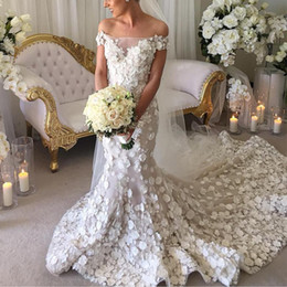 Wholesale fall color flowers - Wedding Dresses 2018 Hand Made Flowers Appliques Mermaid Bridal Gowns Sheer Off Shoulder Sweep Train Wedding Gowns High Quality
