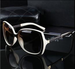 2019 logotipos da marca de moda feminina Marca francesa de Luxo Marcas de Designer de Óculos De Sol Das Mulheres Retro Vintage Proteção Moda Feminina Óculos de Sol Vision Care com Logotipo 6 Cores desconto logotipos da marca de moda feminina