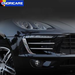 strisce di cromatura per auto Sconti Strisce di rifinitura del sopracciglio della lampada anteriore esterna dell'automobile per Porsche Macan 2014-17 Chrome ABS 2pcs decalcomanie modificate esterne