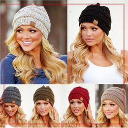 Wholesale Christmas Ski Hat - 9 Colors CC Hats Knitted CC Beanie Unisex Winter Oversized Chunky Skull Caps Soft Cable Knit Slouchy Crochet Hats Ski Hat YYA964 20pcs