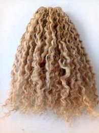 tingere i capelli umani Sconti nuove estensioni brasiliane dei capelli di trama dei capelli ricci non trattati estensioni umane di colore biondo scuro ricche naturali possono essere tinte
