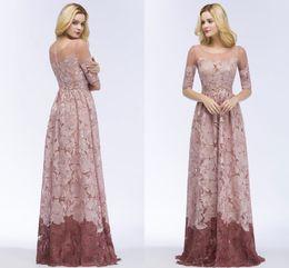 Vestido de novia elegante vestido de fiesta vestido de fiesta online-Dusty Pink Full Lace Prom Dresses Half Long Sleeves Jewel Neck Elegante madre de vestidos de novia Wedding Guest Evening Gownns CPS910