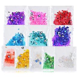 2019 pietre diamanti per decorazioni Bittb 1 Pack 1440Pcs Nail Decoration Adhere Color Stones 10G Art Punteggiatura Crystal Diamond Glitter 3D Nail Strumento Intarsio di strass pietre diamanti per decorazioni economici