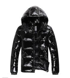Los hombres más vendidos de las mujeres ocasionales abajo de la chaqueta abajo abrigos para hombre al aire libre de la pluma caliente vestido de hombre abrigo de invierno outwear chaquetas desde fabricantes