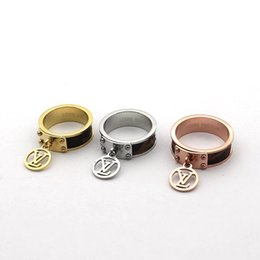 music circle Promo Codes - 2019 Fashion Popular European and American Jewelry Brand Designer Stainless Steel Tone 12mm leather letter V men women wedding rings