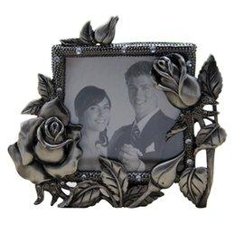 Wholesale Metal Desks Vintage - European Style Rose Carving Vintage Frame Photo Alloy Crafts Retro Photo Frame Desk Decorationes
