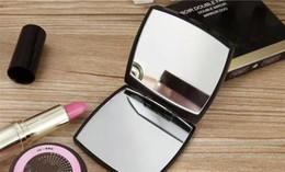 2019 guardanapos de algodão branco por atacado Venda quente com logotipo Dobrável espelho lateral duplo com caixa de presente espelho de maquiagem preto Estilo clássico portátil