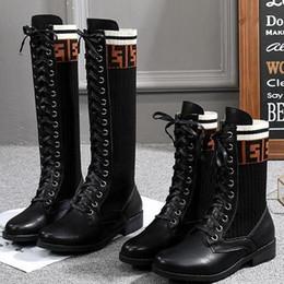 Botas de gran tamaño para mujer online-Combina un par de botas de gran tamaño para mujer nuevo estilo joker versión coreana de otoño invierno botas cortas estilo británico Martin botas, botas casuales G9.3