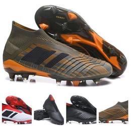 недорогие детские туфли на высоком каблуке Скидка Дети Predator 18+ 18.1 FG Футбольные Бутсы Chaussures Женщины Футбольные Бутсы Мужские Высокие Верхние Футбольные Бутсы Predator 18 Дешевые Новые Горячие
