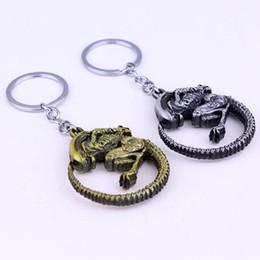 Wholesale queen photos - Movie Souvenir Aliens Predator AVP Keychain 5.2x5.2cm Horror Films Alien Queen Alloy 2 Colors Key Chain Ring Men Jewelry