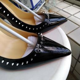Canada Style de luxe européen, nouvelles chaussures pour femmes, chaussures habillées, talons hauts, décoration en cuir pointu, paillettes, chaussures, chaussures de mariage Offre