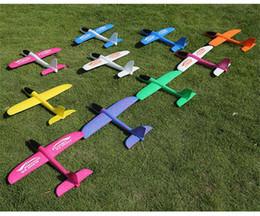 Aviões de brinquedo on-line-Lançamento de espuma planador air plane inércia brinquedo aeronave mão modelo de avião de lançamento ao ar livre esportes flying toy para caçoa o presente