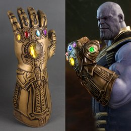 Figura del lattice online-Infinity War Thanos guanti Halloween Superhero lattice cosplay Infinity Gauntlet Giocattoli Forniture per feste Figure di film AAA480