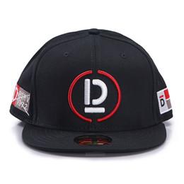 D9 caps online-Justdon D9 CAPTAIN D ricamo lettera cappelli da sole regolabile Snapback Hiphop Rapper stile uomo donna solido piatto Bill alta qualità BaseBall Caps