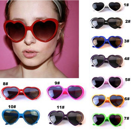 Wholesale Fancy Children - Retro Love heart shape Lolita sunglasses fashion Fancy dress Party Women