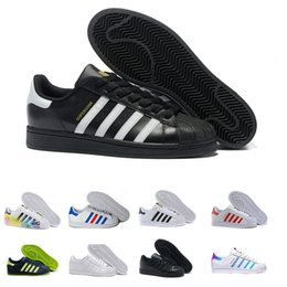 official photos 52f5c 07ac2 adidas 2017 Auténticos Originals Superstars 80S Mans zapatos de mujer 100%  Smith Classic blanco patín zapatos de cuero genuino Oro Negro Zapatillas de  ...