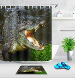 2019 esteiras de banho estilo cartoon Crocodilo Dos Desenhos Animados Estilo Cortina de Chuveiro Personalizado À Prova D 'Água Quarto Decoração de Poliéster Tecido Cortina Do Banheiro Tapete Set Crianças Presente esteiras de banho estilo cartoon barato