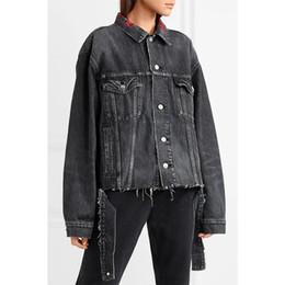 404152bb60 Melhor Qualidade 1A  1 Lap Destroy Jaqueta Hip Hop Mulheres Homens  Destruído Decote Bordado Carta Jeans Jeans Casacos jaqueta jeans destruída  barato