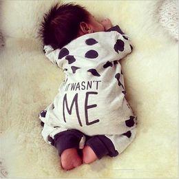 baby boy одежда полька точка Скидка 2017 Autumn Winter Newborn Baby Boy Girl Clothes Warm Cotton Letter Printed Jumpsuit Romper Polka Dot Baby Boy Clothes Pajamas