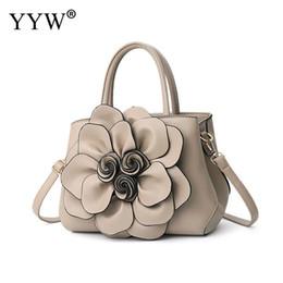 4ff0dd00f524a Graue Frauen Handtasche Großhandel 3D Floral Top Handle Hand Taschen  Designer Damen Totes Schulter Handtasche Große Capasity 2018 Dropship