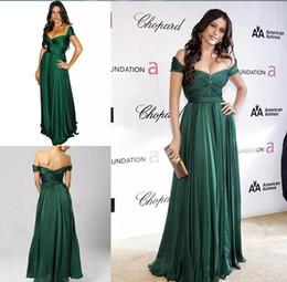 b2970ecf37713 Emerald Green Vestidos de noche formales Hombro plisado Elegante Gasa Largo  palabra de longitud Alfombra roja Vestidos famosos Vestido de fiesta barato  ...