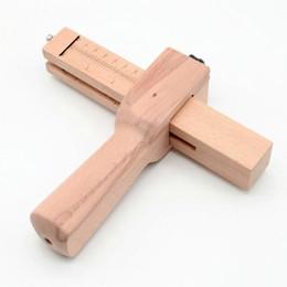 großhandel stickerei reifen Rabatt Hohe Qualität Professionelle Holz Einstellbare Streifen und Strap Cutter Handwerk Werkzeuge DIY Leder Hand Schneidwerkzeug