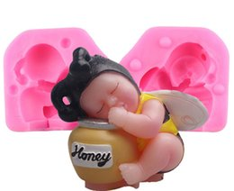 Детские мыльницы онлайн-3D Sleeping Bee Baby Birthday Cake Resin Clay Candle Molds Silicone Soap Moulds Fondant Cake Decorating Tools Bakeware YB200223