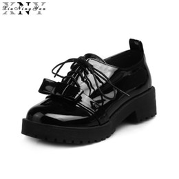 99c064cb65506 женские кожаные туфли Скидка XiuNingYan 2018 Spring New Patent Leather  Female Casual Shoes Women Flat Shoes