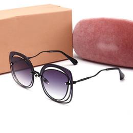 2018 de alta qualidade de luxo Sombra Redonda Verão Moda Óculos De Sol Das Mulheres Do Vintage Designer de Óculos Para Senhoras Gafas Retro UV400 óculos de sol de Fornecedores de óculos estranhos